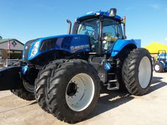 New Holland  T8.420 tractor