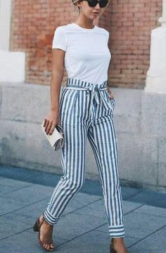 Take a look at these chic business casual outfit ideas! Take a look at these chic business casual outfit ideas! Get more photo about subject… , Look Casual Chic, Casual Work Outfits, Work Casual, Cute Outfits, Summer Business Casual Outfits, Casual Work Clothes, Smart Casual Women Summer, Business Casual Womens Fashion, Stylish Clothes