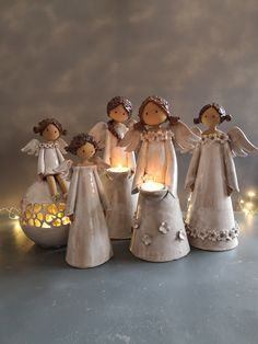 Paper Mache Crafts, Polymer Clay Crafts, Christmas Crafts, Christmas Decorations, Christmas Ornaments, Pottery Angels, Creation Art, Art Basics, Ceramic Angels