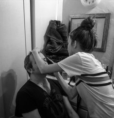 My daughter putting makeup on me last night...I'm like her imaginary friend sometimes..lol... #parenting #father #dad #daughter #makeup #theater #playtime @fatherhood #imaginaryfriend #friends #fashion #style #blackandwhitephoto #actor #losangeles #california