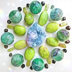 What affirmation or mantra are you working with right now? Here are a couple of my favorites: ⠀⠀⠀⠀⠀⠀⠀⠀⠀ ✨Limitless abundance easily flows into my lif. Crystal Shop, Crystal Magic, Crystal Grid, Crystal Jewelry, Minerals And Gemstones, Crystals Minerals, Rocks And Minerals, Rock Collection, Crystal Collection