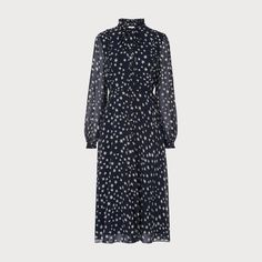 Meet our Filia star print dress in navy, part of our Fitzroy collection. Crafted from silk, this floaty design is finished with a bow tie detail at the collar for a feminine look. Women's Evening Dresses, Street Style Trends, Lace Tops, Silk Dress, Dresses For Work, Work Outfits, Women Wear, Fashion Outfits, Clothes For Women