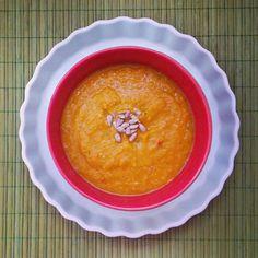 Σουπάει κόκκινη φακή μου το καρότο, σουπάει η κολοκύθα, σουπάει η πιπεριά Φλωρίνης, σουπάει και το δεντρολίβανο, ναί. Καλά, και το κρεμμύδι σουπάει, ας μη λέμε τα αυτονόητα!  #φακες #σουπα #soupoftheday #soup #lentils