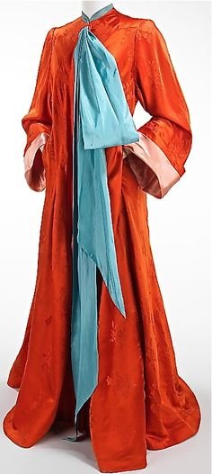 1945 Charles James Dressing Gown.