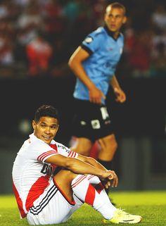 Teo Gutierrez. River 3 - Belgrano 0 Soccer Guys, Football Soccer, Football Players, Teofilo Gutierrez, Ronaldo, Collection, Memes, Thankful, Cars