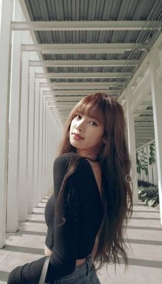 Mode Kpop, Lisa Blackpink Wallpaper, Black Pink Kpop, Peinados Pin Up, Blackpink Photos, Blackpink Fashion, Jennie Blackpink, Blackpink Lisa, Kpop Girls