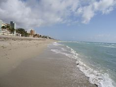 Florida beach. I can't wait to be there in 22 days.. <3 I love the beach!