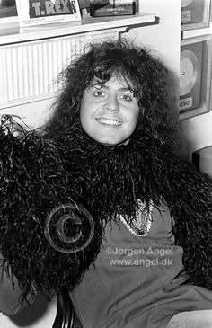 """""""Marc Bolan at his offices in London. Photographed by Jorgen Angel in 1973 😍 ❤ Electric Warrior, Marc Bolan, Seventies Fashion, Lovely Smile, Pet Rocks, Glam Rock, Famous Faces, Classic Rock, T Rex"""