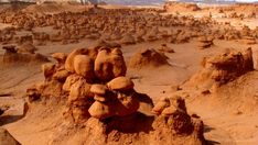 Goblin Valley State Park: A must-see hiking, exploring spot in Utah Narrows Zion National Park, Places To Travel, Places To Visit, Goblin Valley, Cottonwood Canyon, Cedar City, Hiking With Kids, Utah Hikes, Parcs