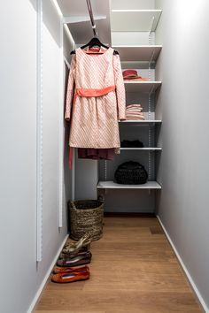 Narrow Closet Design, Long Narrow Closet, Diy Closet Shelves, Small Closet Organization, Deep Closet, Closet Layout, Simple Closet, Hallway Designs, Master Bedroom Closet