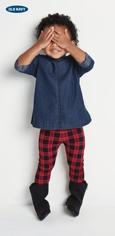 Just playin' hide-and-go-seek with this cutie. J'adore the plaid leggings and a denim shirtdress. #nopeeking