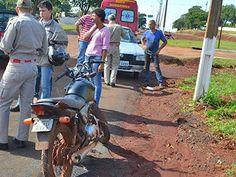 BLOG DO MARKINHOS: Fiat Uno de Arapuã e moto batem em frente Fórum de...