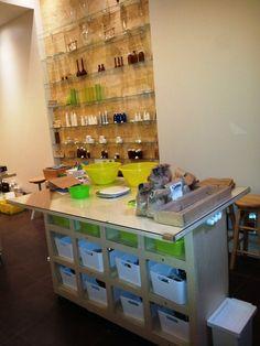 Table d'atelier et Flaconages Liquor Cabinet, Architecture Design, Storage, Table, Furniture, Home Decor, Atelier, Purse Storage, Architecture Layout