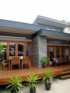Flat roof design, flat roof house designs, cool house designs, house roof d Flat Roof House Designs, Flat Roof Design, House Roof Design, Facade House, Modern House Design, House Color Schemes, House Colors, Roof Colors, Brick Colors