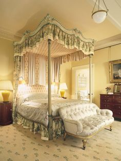 Traditional Bedroom by Mlinaric Henry and Zervudachi in Tuscany Italy | living | Pinterest | Traditional bedroom Traditional and Bedrooms & Traditional Bedroom by Mlinaric Henry and Zervudachi in Tuscany ...