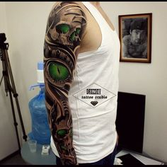 #skull #drozdovtattoo #tattooinstartmag #tattoostyle #chicano #tattooart #blackandgrey #tattoolife #inkkaddicted #inkdollz #tattooed #style #sleevetattoo #tattoozlife #instatattoo #sullen #tattoos #lowridertattoostudios #goodfellastattio #ink_life #inkeeze #minddlowingtattoos #lifestyletattoo #worldtattoo #tattoos_of_instagram #inkjunkeyz #ru_tattoo #inknationofficial