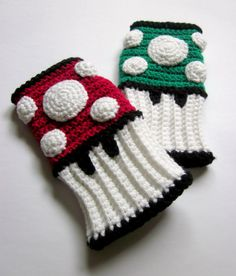 Super Mario Bros mushroom wristwarmers...WANT!!! (Nerdifacts on etsy)
