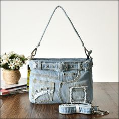 Description: Style:Vintage Denim Fashions Brand new with handtag; Materials:Denim fabric+Crystal Diamonds Decored x x Denim Shoulder Bags, Recycled Denim, Blue Jeans, Sew Bags, Texans, Sewing Ideas, Craft Ideas, Google, Crafts