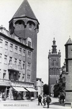 Danzig, Germany And Prussia, Gdansk Poland, Krakow, Beautiful Buildings, Historical Photos, Big Ben, Vintage Photos, Monochrome