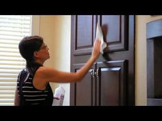 How to install cabinet knobs in a minute without drilling. Simply use Command hooks. Video demonstrates how-to. A temporary solution for cabinets and drawers. Kitchen Cabinet Knobs, Kitchen Shelves, Diy Kitchen, Kitchen Sink, Ikea Hack Vanity, Kitchen Cabinets And Countertops, Display Shelves, Display Ideas, Command Hooks