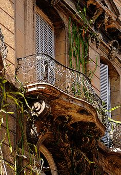 Balcony in San Telmo, Buenos Aires, Argentina. San Telmo is the oldest barrio of Buenos Aires, Argentina. It is a well-preserved area of the Argentine metropolis and is characterized by its colonial buildings. (V)