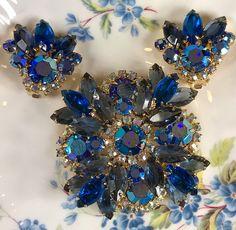 JULIANA BROOCH and Earrings, Unmarked, DeLizza & Elster, Blue Rhinestone Aurora Borealis, Bold, Coat Brooch, Vintage