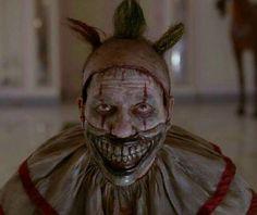 Twisty the Clown in American Horror Story was too scary- WTF fun facts American Horror Story Tumblr, American Horror Story Characters, Scary Movie Characters, Scary Movies, Wtf Fun Facts, Random Facts, Random Stuff, Strange Facts, Creepy Facts