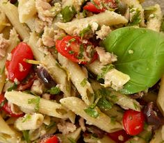 Penne, Pasta Salad, Cobb Salad, Zucchini Pasta, Chicken, Meat, Ethnic Recipes, Food, Crab Pasta Salad