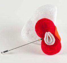 Broche de fieltro en forma de orquídea