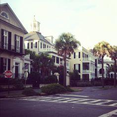 I want to move to Charleston! The Battery, Charleston Johns Island, Paradise City, Charleston Homes, Dream House Exterior, My Dream Home, Dream Homes, Humble Abode, Cozy House, Vacation Spots