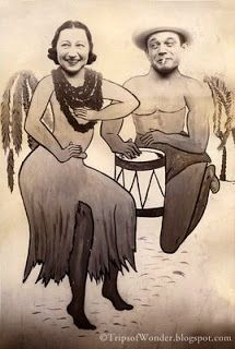 """""""Hula Girl and her Kane (Man)"""" carnival cutout photograph, Vintage Photo Album, Vintage Photo Booths, Vintage Photographs, Vintage Photos, Photo Cutout, Face In Hole, Vintage Couples, Photo Boards, Vintage Fashion Photography"""