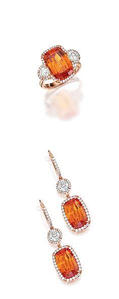 SPESSARTITE GARNET & DIAMOND RING & PAIR OF MATCHING PENDENT EARRINGS