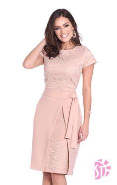 VESTIDO MODA EVANGELICA Elegant Summer Dresses, Pretty Dresses, Beautiful Dresses, Evening Dresses, Chic Dress, Classy Dress, Classy Outfits, Lace Dress, Dress Outfits