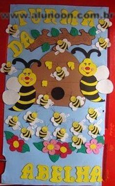 65 Ideias de decoração com Abelhas - Educação Infantil - Aluno On Bee Crafts, Preschool Crafts, Paper Crafts For Kids, Hobbies And Crafts, Valentine Crafts, Easter Crafts, Bee Template, Page Borders Design, Bee Theme