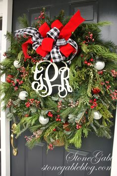 Love the black, red and white ~ and especially the monogram!