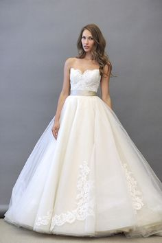 caroline herrea wedding dresses