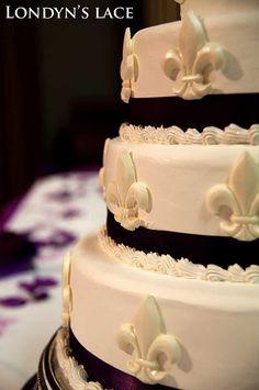 LOVE IT !!!!!!! Fleur De Lis Wedding Cake idea