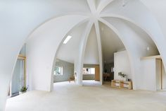 Central Dome Home Style For Three - http://www.dailyarchdesign.com/architecture/central-dome-home-style-for-three/