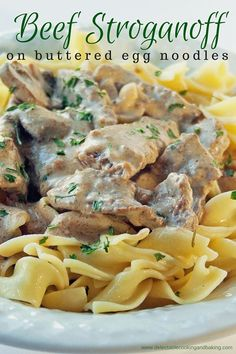 Easy 20 Minute Beef Stroganoff Recipe at bakeitwithlove.com