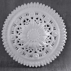 Please browse our unique collection of Victorian ceiling roses. Stately range decorative Victorian ceiling rose to be used with or without light fixture. Modern Victorian, Victorian Design, Victorian Homes, Coving, Architrave, Best False Ceiling Designs, Cornice Design, Ceiling Detail, Painting Wallpaper