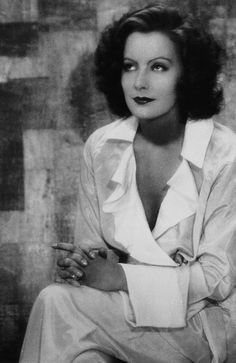 Greta Garbo photographed in 1929 by Ruth Harriet Louise Golden Age Of Hollywood, Vintage Hollywood, Classic Hollywood, In Hollywood, Marlene Dietrich, Cinema, Female Photographers, Silent Film, Best Actress