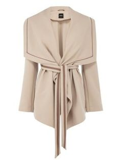 Short drape coat  I need this.  Clicked through to site but no luck....the search begins!