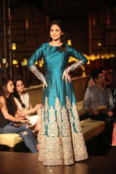 Urmila Matondkar looked stunning in blue-golden outfit
