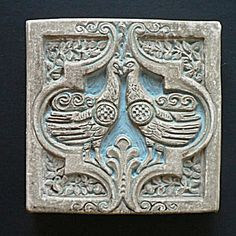 Batchelder Tile with Two Birds