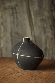 Yoko Komae Clay work. The Black Nest.