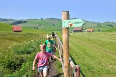 Barfussweg The Good Dr, Bathing Costumes, Walking Barefoot, Hiking Tours, Tired Feet, Rest And Relaxation, Steam Room, Trail, Sunday