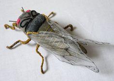 Maravillosas Esculturas de Insectos hechos con Textiles Bordados por Yumi Okita   FuriaMag   Arts Magazine