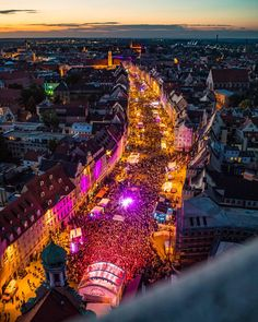 Augsburger Sommernächte 2018, photo taken by Gökhan Bozkurt.   (via Instagram - gobopictures)   #augsburg #bavaria #germany #event #photography #nightlife #gobopictures #sommernächte #augsburgersommernächte Augsburg Germany, Bavaria Germany, Munich, Night Life, Times Square, Europe, The Incredibles, City, Places