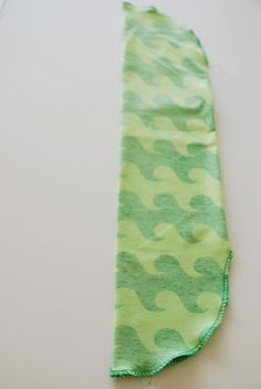 FargeBarn: Hvordan sy en lue. Baby Gifts, Diy And Crafts, Crafting, Gift Ideas, Manga, Sewing, Hats, Dressmaking, Couture