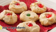This quick and easy shortbread will literally melt when you take a bite. Great for Christmas parties with a little bit of decorating. Ingredients 1 cup butter, softened cup confectioners' sugar cup cornstarch 1 cups all-purpose flour Directions Preheat Melt In Your Mouth Shortbread Recipe, Shortbread Recipes, Shortbread Cookies, Cookie Recipes, Yummy Cookies, Yummy Recipes, Cookbook Recipes, Sweets Recipes, Sweets